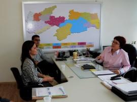 see secretaria marcia recebe auditores do FNDE foto sergio cavalcanti 1 270x202 - Especialistas do FNDE vistoriam escolas estaduais e aprovam investimentos
