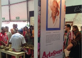 02.12.13 feira espirito santo 4 270x192 - Paraíba supera vendas em feira de artesanato no Espírito Santo