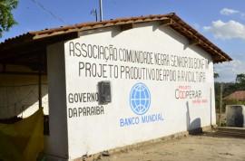 07.12.13 RICARDO QUILOMBOLAS 1 1 270x178 - Ricardo entrega benefícios para 300 famílias quilombolas em Areia