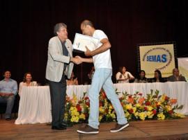 10.12.13 ricardo cg 91 270x202 - Ricardo entrega certificados a 400 formandos de cursos profissionalizantes