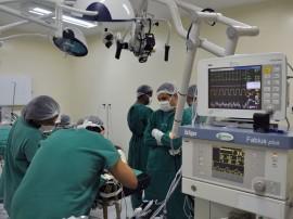 11.12.13 cirurgia arlinda marques fotos roberto guedes 13 270x202 - Hospital da rede estadual é pioneiro no monitoramento neurofisiológico intra-operatório no Nordeste