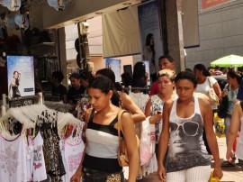 13.12.12 comercio centro fotos vanivaldo ferreira 1 270x202 - Paraíba registra a 2ª maior alta em volume de vendas do varejo no país