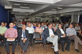 18.12.13 encontro funcep fotos jose lins 70 270x179 - Ricardo destaca avanços da Paraíba no combate e erradicação da pobreza