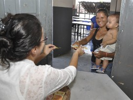 1riachao bacamarte abono familia foto walter rafael 2 270x202 - Governo inicia pagamento do abono do Bolsa Família em 28 municípios