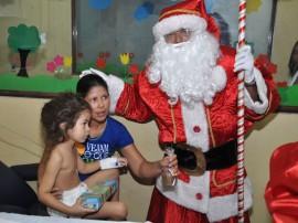 20.12.13 papai noel no hospital de trauma fotos jose lins 107 270x202 - Papai Noel distribui presentes para pacientes do Hospital de Trauma de João Pessoa