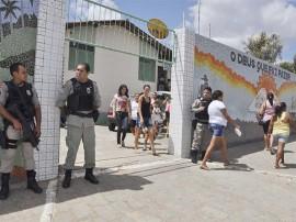 2riacho do poco abono familia foto walter rafael 2 270x202 - Governo inicia pagamento do abono do Bolsa Família em 28 municípios