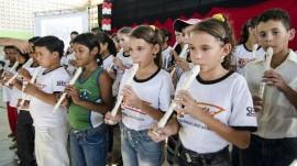 30.08.13 formatura proerd estado cg 2 270x151 - Programa contra as drogas forma mais de 18 mil alunos em 2013 na Paraíba
