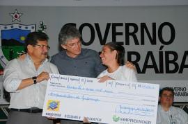 EMPREENDER 16 270x179 - Ricardo libera R$ 1,1 milhão em créditos para 372 microempresários