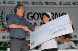 EMPREENDER 2 270x179 - Ricardo libera R$ 1,1 milhão em créditos para 372 microempresários