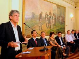 ENTREGA DE MOTOS E CHEQUES 1 270x202 - Ricardo entrega motos e anuncia benefícios para agricultura familiar