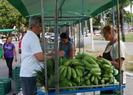 Feira Economia Solidária 13.12.12 Fotos Fernanda Medeiros 22 270x192 - Feira reúne agricultores e artesãos na Semana da Economia Solidária