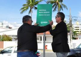 Instalacao placas balneabilidade Laylson Ismar 6 270x192 - João Pessoa tem todas as praias liberadas para banho no fim de semana