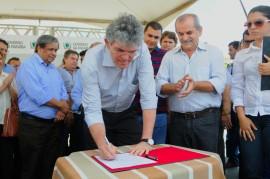 PACTO SOCIAL UIRAUNA 3 270x179 - Ricardo assina convênios do Pacto Social da região de Sousa