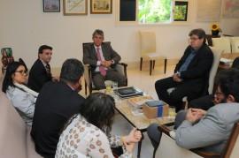 REUNIÃO BRASIL CANADÀ 51 270x179 - Ricardo e cônsul discutem possibilidades de intercâmbios entre Paraíba e Canadá