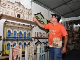 casaroes salao foto walter rafael 1 270x202 - Trabalhos em madeira ganham destaque no XIX Salão de Artesanato