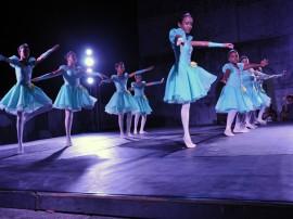 ceart semana de arte exposicao e danca foto walter rafael 19 270x202 - Show de Escurinho encerra Semana de Arte no Mosteiro de São Bento