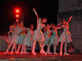 ceart semana de arte exposicao e danca foto walter rafael 33 270x202 - Show de Escurinho encerra Semana de Arte no Mosteiro de São Bento