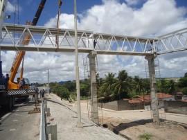 der instala nova passarela junto a comunidade boa esperaca na capital 1 270x202 - Governo instala vão central da passarela metálica na BR-230