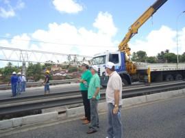 der instala nova passarela junto a comunidade boa esperaca na capital 42 270x202 - Governo instala vão central da passarela metálica na BR-230