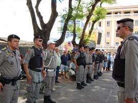 pm reforca policiamento em operacao no natal foto werneck moreno 1 270x202 - Polícia inicia operação para reforçar segurança no período natalino