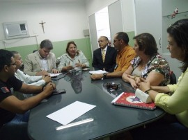 reuniao 270x202 - Governo e Justiça discutem melhorias no atendimento de saúde nos presídios