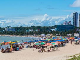11.01.14 TURISMO EM PRAIAS FOTOS  Antonio David 5 270x202 - Banhistas podem aproveitar 51 praias do litoral paraibano