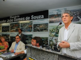 ENTREGA DE TITULO DE CIDADÃO DE PUXINANÃ 6 270x202 - Ricardo entrega veículos e recebe título de cidadão em Puxinanã
