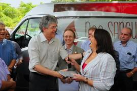 HEMOCENTRO 31 270x179 - Ricardo entrega veículo ao Hemocentro para coletas externas de sangue