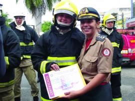 cel dos bombeiros jousilene 1 270x202 - Centro de Ensino da PM é referência na formação de oficiais e praças