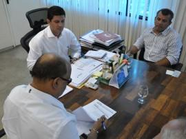 detran e prefeitura de pitimbu firmam convenio 5 270x202 - Governo assina convênio de municipalização do trânsito de Pitimbu
