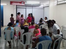 fac recadastramento de leite no bairro de mangabeira 7 270x202 - Programa do Leite da Paraíba inicia recadastramento dos beneficiários
