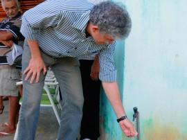 ricardo ITAPORANGA VISITA COMUNIDADE foto jose marques 1 270x202 - Ricardo visita obras de abastecimento e reforma de escola em Itaporanga