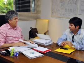 ricardo recebe prefeito de lagoa de dentro luciano pedro foto francisco franca 2 270x202 - Ricardo discute investimentos para cidades da Zona da Mata e Agreste