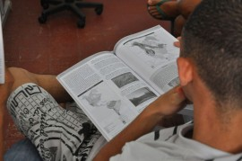 05.02.14 leitura nos presdios biblioteca 3 270x179 - Governo desenvolve ressocialização através da leitura nos presídios
