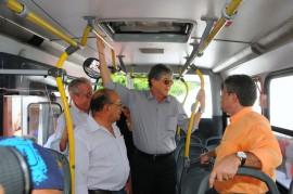 10.02.14 RICARDO ONIBUS bayeux FOTOS JOSE MARQUES 4 270x179 - Ricardo e diretores do DER inspecionam nova frota de ônibus