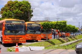 10.02.14 RICARDO ONIBUS bayeux FOTOS JOSE MARQUES 7 270x179 - Ricardo e diretores do DER inspecionam nova frota de ônibus