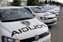 CG armas e viaturas policia civil fot francisco frança 1 270x180 - Ricardo entrega viaturas e metralhadoras em Campina Grande