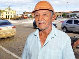 agricultor pedro francisco da silva barra de sao miguel pb 196 inicio da pavimentacao foto francisco franca 270x202 - Ricardo autoriza pavimentação de rodovia em Barra de São Miguel