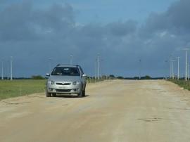 11.03.14 rodovia PB 65 mataraca camaratuba fotos roberto guedes 2 270x202 - Governo investe R$ 3,8 milhões no acesso à Barra de Camaratuba