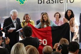 19.03.14 pamela em brasilia 1 270x180 - Paraíba ganha caminhão baú no Dia Nacional do Artesão