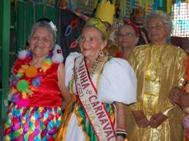 20.03.14 baile carnaval csu santarita 3 270x202 - Governo promove baile carnavalesco para idosos em homenagem ao Dia da Mulher