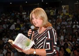 25.03.14 gov fatima bezerra cg 15 270x192 - Governadora entrega Prêmio Ceci Melo de Participação Social em Campina Grande