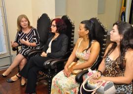 25.03.14 governadora reunião mulheres fotos roberto guedes 16 270x192 - Governadora em exercício debate políticas para mulheres