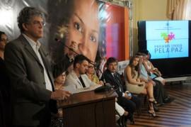 8 DE MARÇO 131 270x179 - Ricardo lança campanha, entrega créditos e aparelhos do SOS Mulher