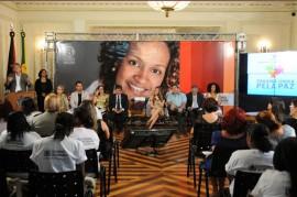 8 DE MARÇO 201 270x179 - Ricardo lança campanha, entrega créditos e aparelhos do SOS Mulher