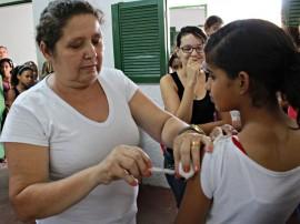 FOTO Ricardo Puppe 2 270x202 - Governo participa da vacinação contra vírus HPV na cidade de Alagoinha