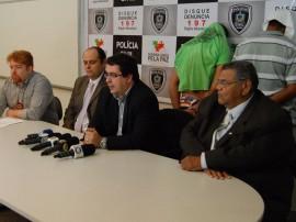 Nemis operação Fantástico e entrevistas 24.03.2014 027 270x202 - Polícia apreende 85 quilos de maconha e crack em João Pessoa