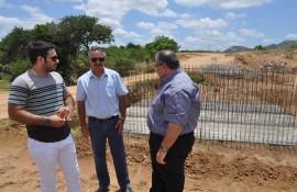 Vistoria de Obras 270x175 - Rômulo Gouveia vistoria obras do Caminhos da Paraíba no Sertão