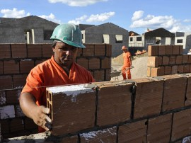 construcao de casas pela cehap em cg foto francisco franca 23 270x202 - Sine-PB oferta 146 vagas para mercado de trabalho