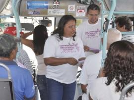 delegada em onibus foto walter rafael 31 270x202 - Defensores públicos começam atendimento na Delegacia da Mulher de João Pessoa